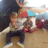 Hrajeme si s deštníčky 3