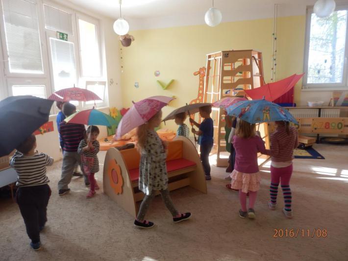 Hrajeme si s deštníčky